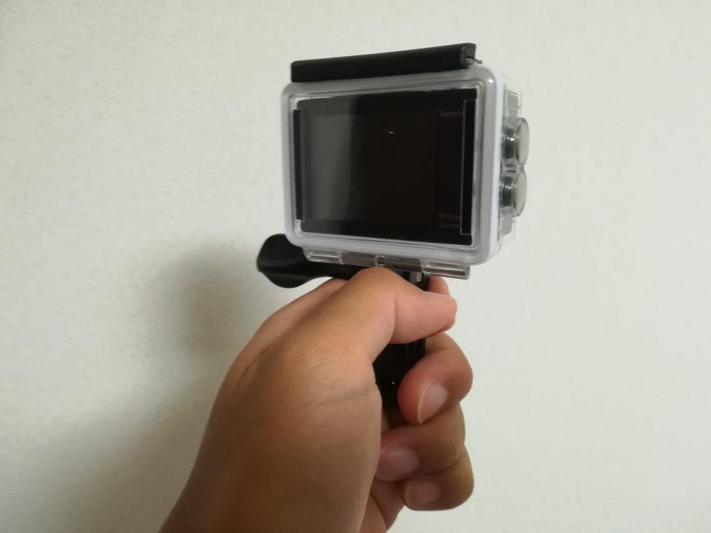 MUSON(ムソン)アクションカメラMC2の水中撮影時の持ち方1