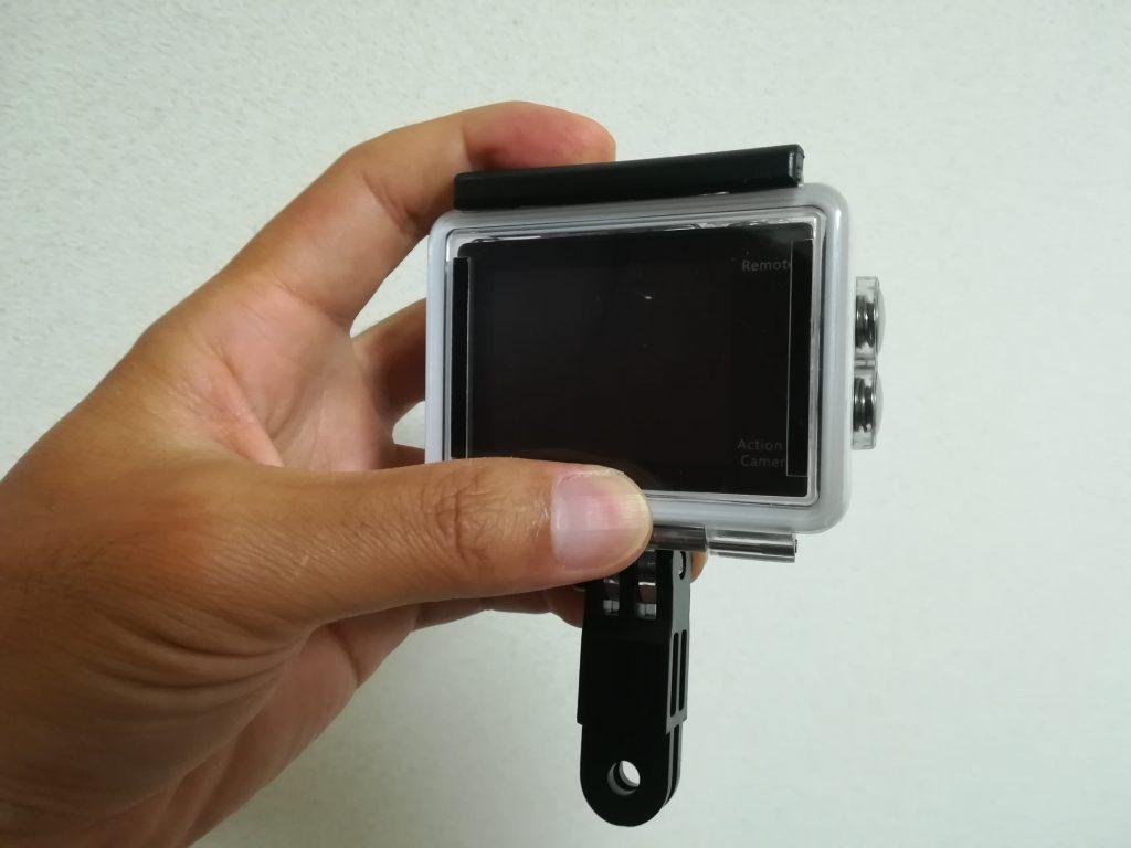 MUSON(ムソン)アクションカメラMC2の水中撮影時の持ち方2