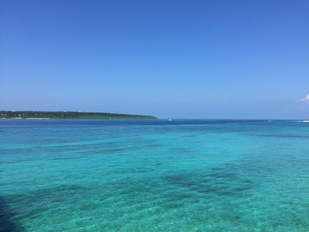 来間島近くの海
