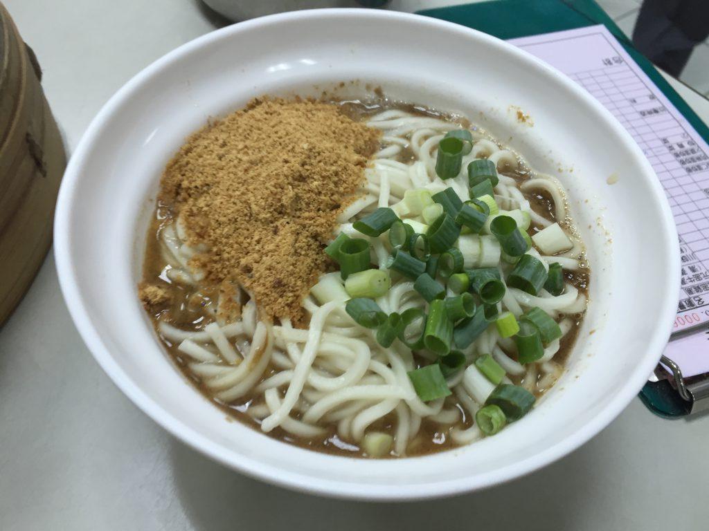 冠京華の擔擔麺