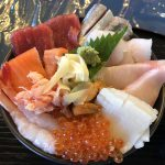 釧路の釧ちゃん食堂で史上最高の海鮮丼に出会う