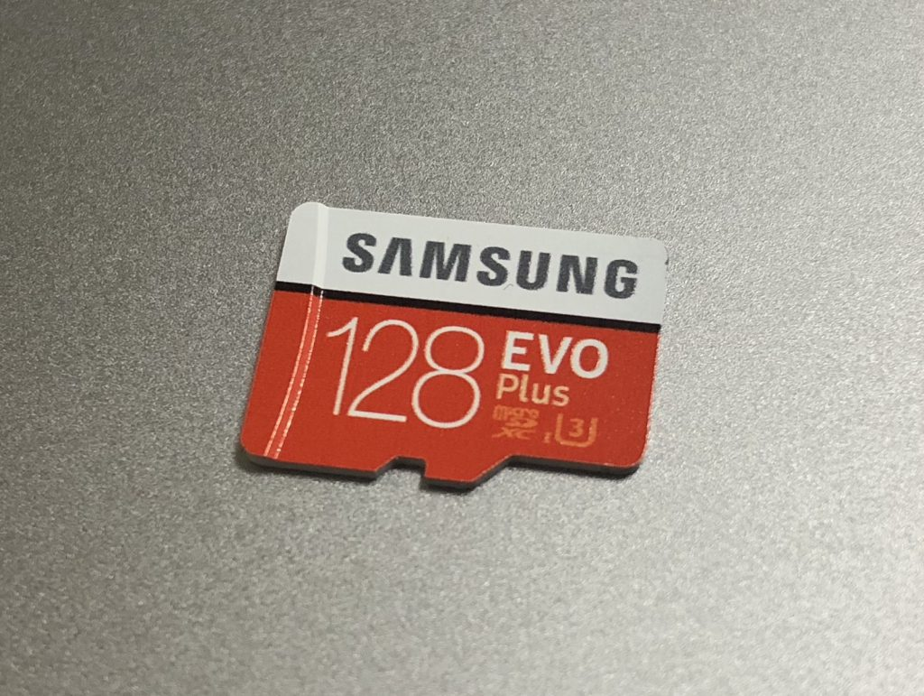 Samsung microSDカード128GB EVOPlus Class10 UHS-I U3の1