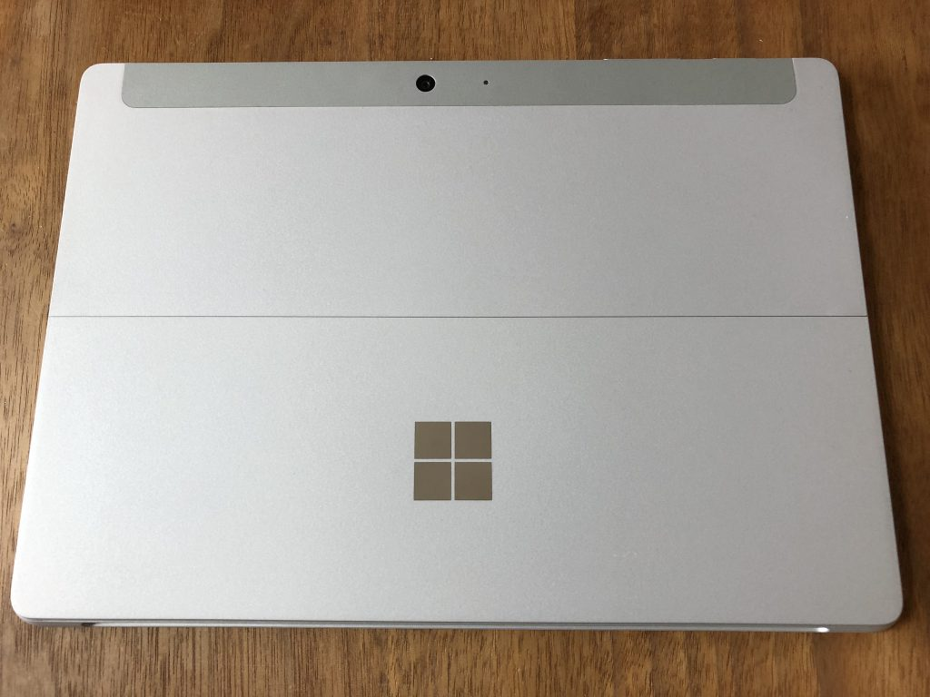 Surface Goの背面