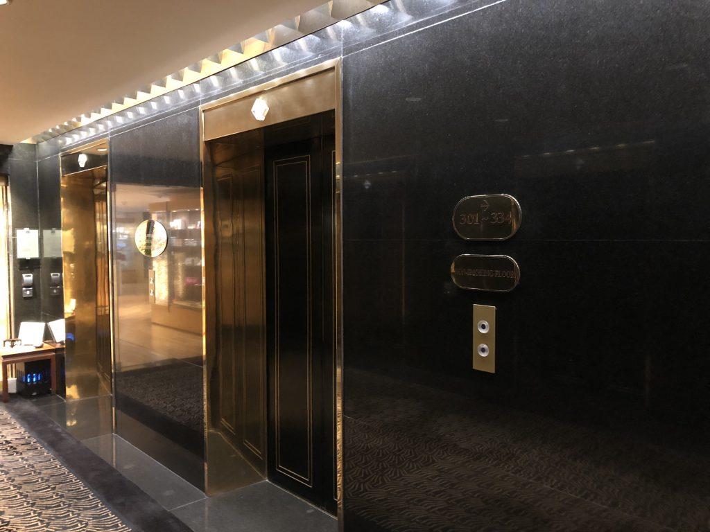 インターコンチネンタル香港のエレベーター
