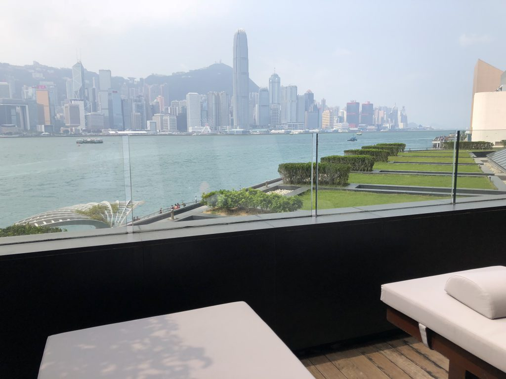 インターコンチネンタル香港のバルコニー