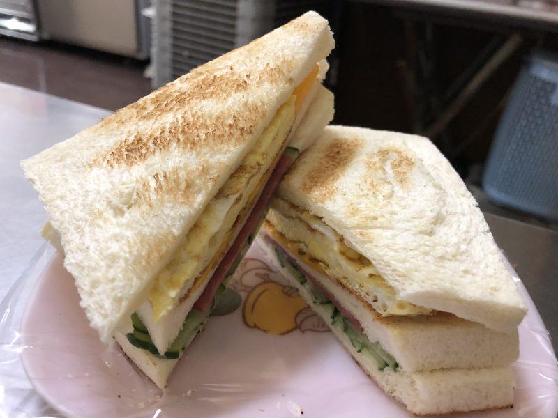 高雄旅行記6日間の5~6日目【2019年5月】の大ㄎㄡ胖碳烤三明治のサンドイッチ