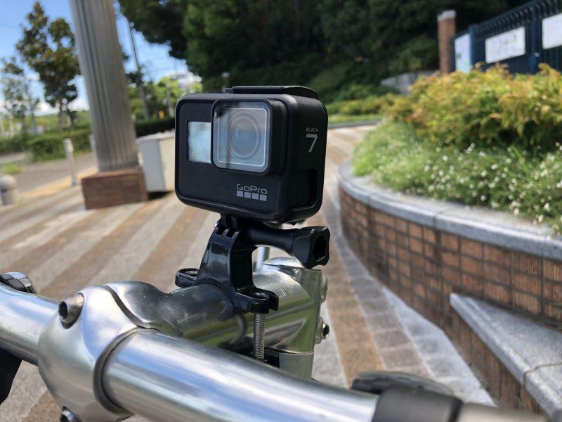 GoPro7を自転車(クロスバイク)に装着してみたところを斜め前から