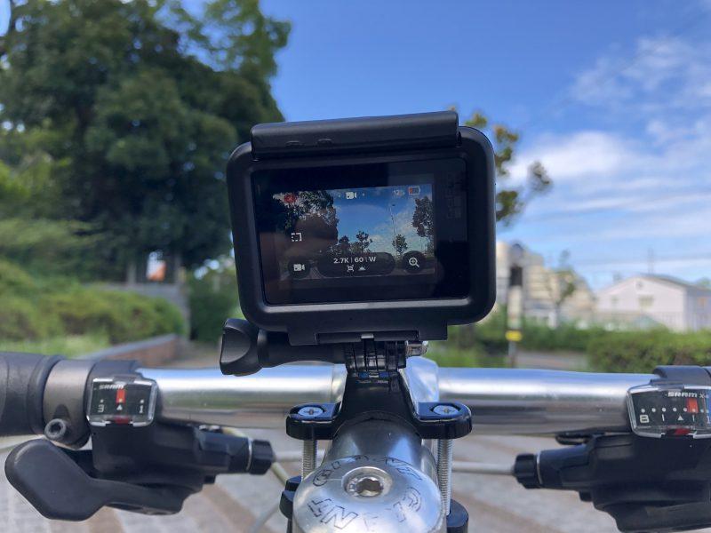 GoPro7を自転車(クロスバイク)に装着してみたところを真正面アップ
