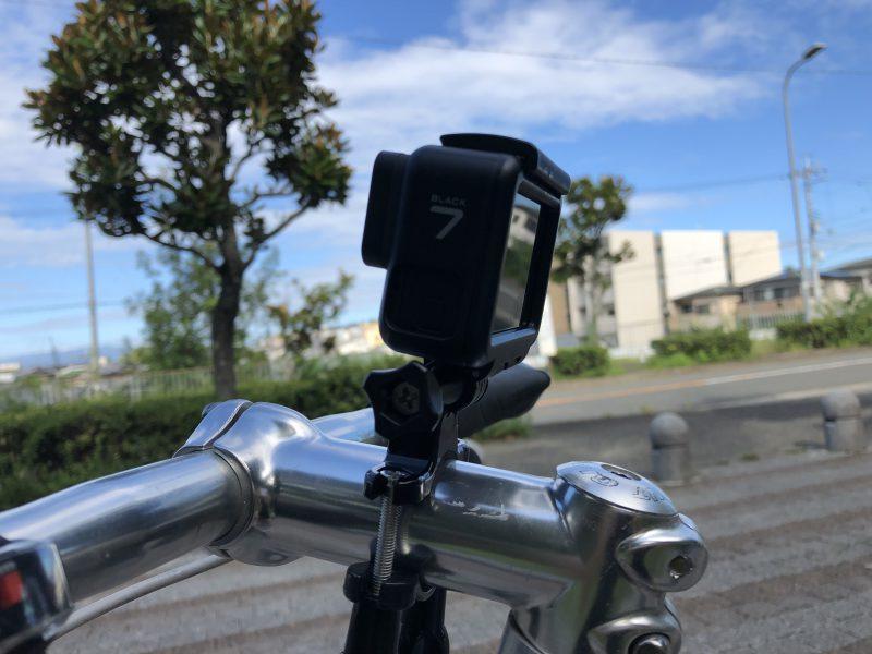 GoPro7を自転車(クロスバイク)に装着してみたところを横から