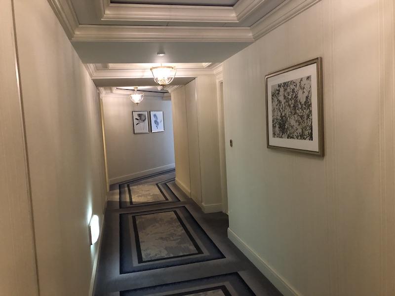 ザ・リッツカールトン大阪の廊下